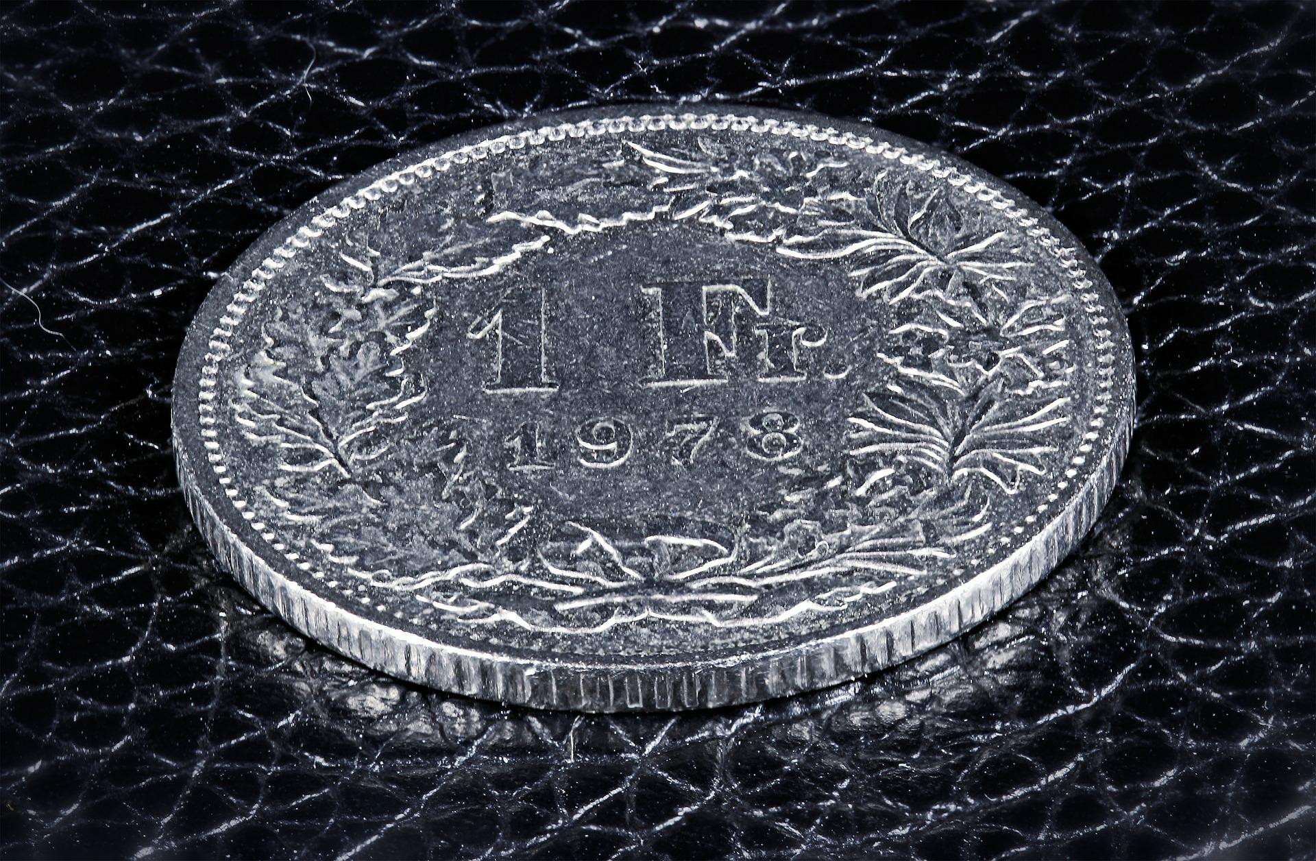 UOKiK powiedział sprawdzam – jak banki współpracują z frankowiczami