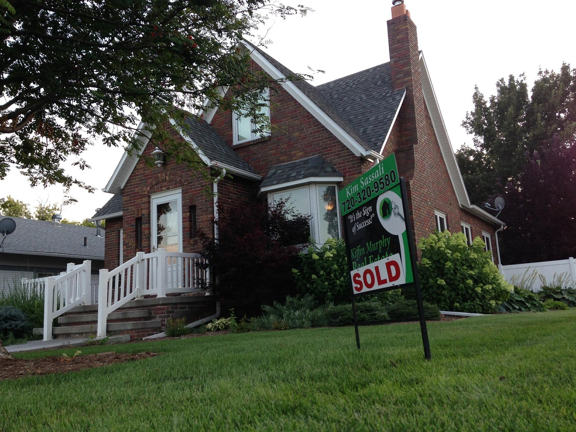 Pośrednik - sprzedaż nieruchomości